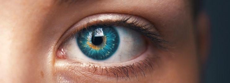 5 tips bij het dragen van mascara met gevoelige ogen