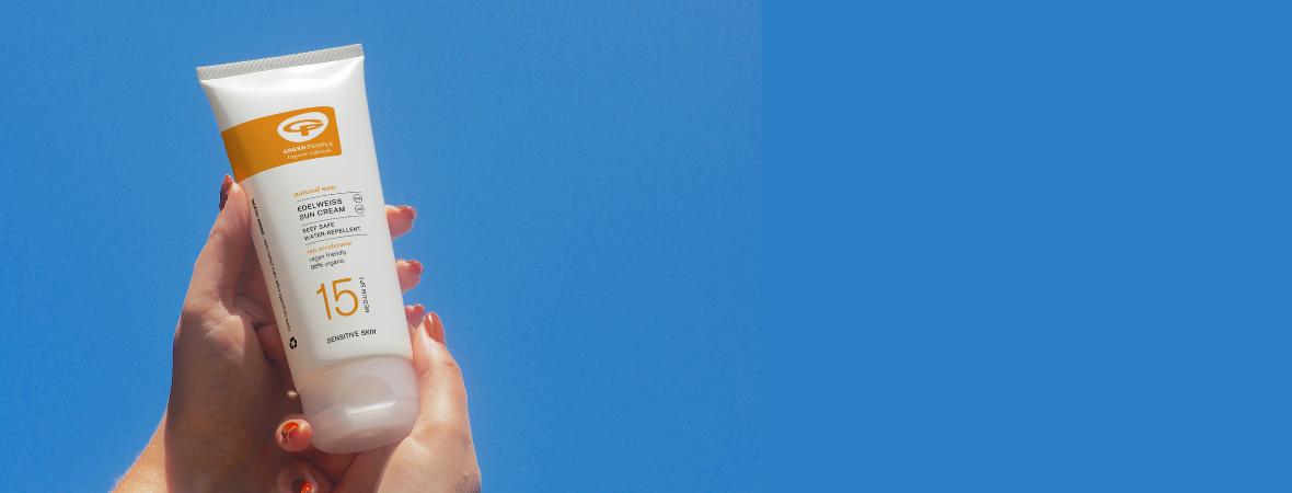 Wat zijn nanodeeltjes? Zijn deze veilig in zonnebrandcrème?