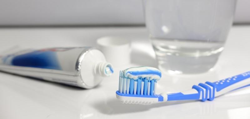 Fluoride in tandpasta, wel of niet schadelijk?